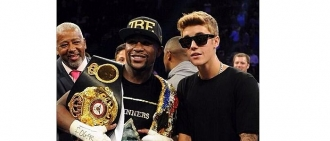 Floyd Mayweather, Jr.'s Alleged $10 Million Super Bowl Bet and a Look Back at His Best Wins