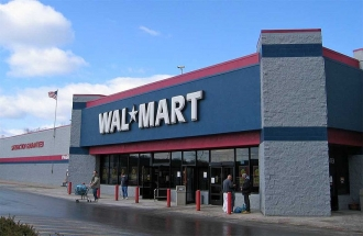 Wal-Mart Cuts Orders Amid Growing Goods Stockpile