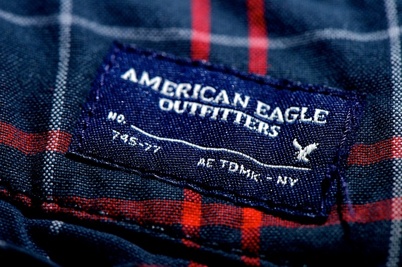 American Eagle Outfitters' Shares Pantsed By Q4 Outlook