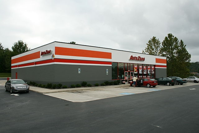 AutoZone Passes Analysts on Q1 Profits